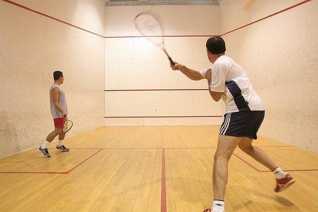 Fundamentos e jogadas no Squash